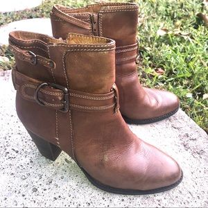 Sofft leather boots brown EUC size 7.5